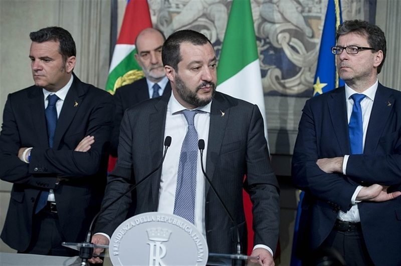 Salvini contro il governatore della Campania: 《Vergogna De Luca》