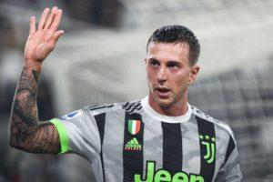 Juventus, scambio Bernardeschi-Rakitic: nuovo colpo di scena, i dettagli